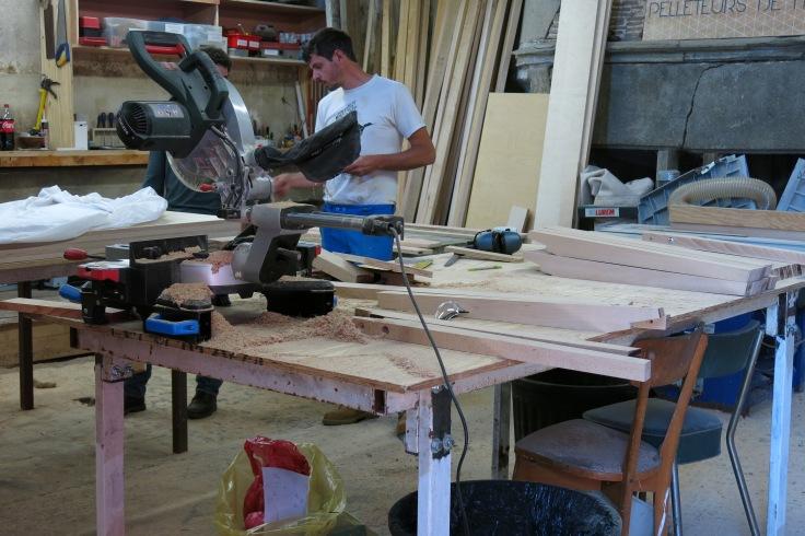 Construction des cimaises Atelier au Bout du Plongeoir